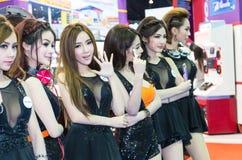 曼谷- 4月3 :与索尼的未认出的模型在显示在 库存照片