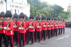 曼谷- 12月2 :在国王期间的泰国皇家卫兵军事 免版税库存照片