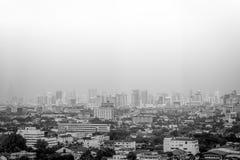 曼谷- 10月29 :在城市的一个看法从Bayok天空旅馆(b/w.p。 库存图片