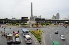 曼谷- 8月03 :在胜利纪念碑的看法大milita 图库摄影