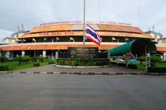 曼谷- 8月04 :曼谷公共汽车总站(Mochit公共汽车总站) 免版税库存照片