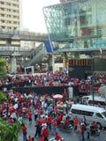 曼谷/泰国- 04 05 2010年:红色衬衣抗议反对政府在Ratchaprasong 免版税库存图片