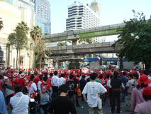 曼谷/泰国- 04 05 2010年:红色衬衣抗议反对政府在Ratchaprasong 图库摄影