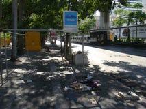 曼谷/泰国- 05 20 2010年:街道被阻拦并且在火以后倒空 库存图片
