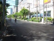 曼谷/泰国- 05 20 2010年:街道被阻拦并且在火以后倒空 免版税库存图片