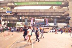 曼谷/泰国- 01 26 2014年:`停工曼谷`操作的人块Ratchaprasong 免版税库存图片
