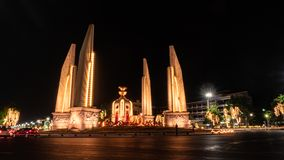 曼谷/泰国- 2019年5月11日:民主纪念碑得到庆祝 股票录像