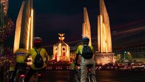 曼谷/泰国- 2019年5月11日:民主纪念碑得到庆祝 ?? 股票录像