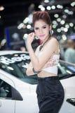 曼谷- Decenber 3 :性感的礼服的赠送者在2013年12月3日的第30泰国国际马达商展在曼谷 免版税库存图片