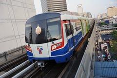 曼谷bts中央高的铁路运输skytrain 免版税库存照片