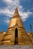 曼谷chedi金黄stupa 免版税库存照片