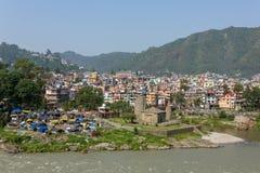 曼迪市看法在喜马偕尔邦 免版税图库摄影