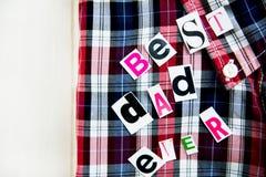 最佳的爸爸信件和衬衣 库存照片