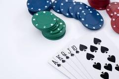 最佳的纸牌游戏手在白色 免版税库存照片