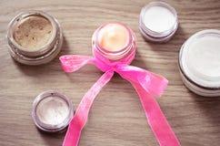 最佳的采购概念化妆用品收藏页产品 库存图片