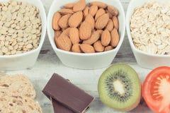 最佳的食物当来源褪黑素和色氨酸 健康睡眠概念 免版税图库摄影