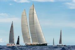 最大的游艇劳力士杯帆船种族 免版税库存照片