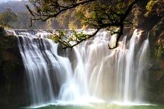 最大的瀑布在台北,台湾 免版税库存图片