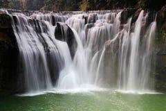 最大的瀑布在台北,台湾 免版税图库摄影