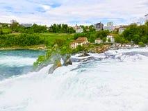 最大的瀑布在河莱茵的欧洲在瑞士 免版税库存图片