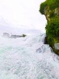 最大的瀑布在河莱茵的欧洲在瑞士 库存图片