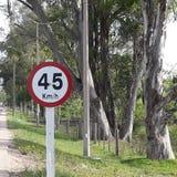 最大速度每个小时准许45公里 库存图片