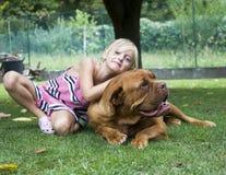 最好的朋友女孩和狗 库存图片