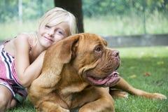 最好的朋友女孩和狗 库存照片
