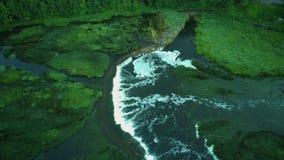最宽的瀑布在欧洲在库尔迪加市地区Dron射击位于 影视素材