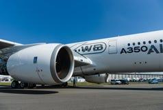 最新的飞机空中客车A350-900 XWB的涡轮风扇引擎 免版税库存照片