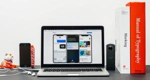 最新的iPhone x 10与苹果薪水itunes 库存图片