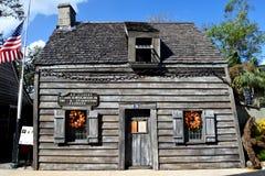 最旧的木校舍在圣奥斯丁 免版税库存图片