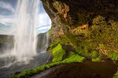 最著名的冰岛瀑布的Seljalandsfoss一 免版税库存照片