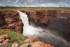 最西部的秋天更宽的看法在国王乔治河,金伯利,澳大利亚的 免版税库存照片