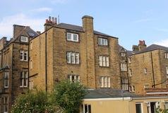 最近修建被修建的高层住房的公寓阳台都市 库存图片