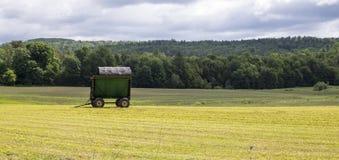 最近削减干草领域 图库摄影