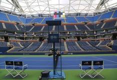 最近改善的亚瑟・艾许球场在比利・简・金国家网球中心 免版税库存照片