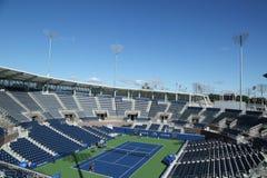 最近被修建的正面看台体育场在比利・简・金国家网球中心准备好在冲洗, NY的美国公开赛比赛 库存图片