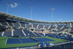 最近被修建的正面看台体育场在比利・简・金国家网球中心准备好在冲洗, NY的美国公开赛比赛 图库摄影