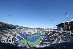最近被修建的正面看台体育场在比利・简・金国家网球中心准备好在冲洗, NY的美国公开赛比赛 免版税库存照片