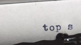 最高机密-键入在一台老葡萄酒打字机 影视素材