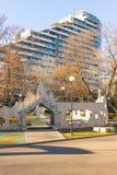 最高的居民住房在Bourgas,保加利亚 免版税库存照片