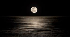 月亮光芒 免版税库存照片