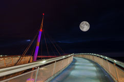 月亮和桥梁 库存照片