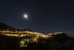 月亮在卡萨雷斯 库存图片