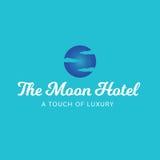 月亮旅馆天空覆盖豪华温泉商标 免版税图库摄影