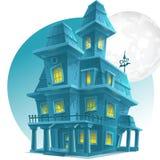 月亮的背景的被困扰的房子 免版税库存图片