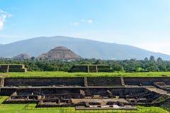 月亮的金字塔在墨西哥 免版税图库摄影