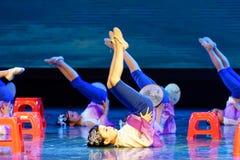 月亮耳语北京舞蹈学院分级的测试卓著的儿童` s舞蹈教的成就陈列江西 免版税库存照片