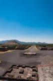 月亮金字塔teotihuacan视图 免版税图库摄影